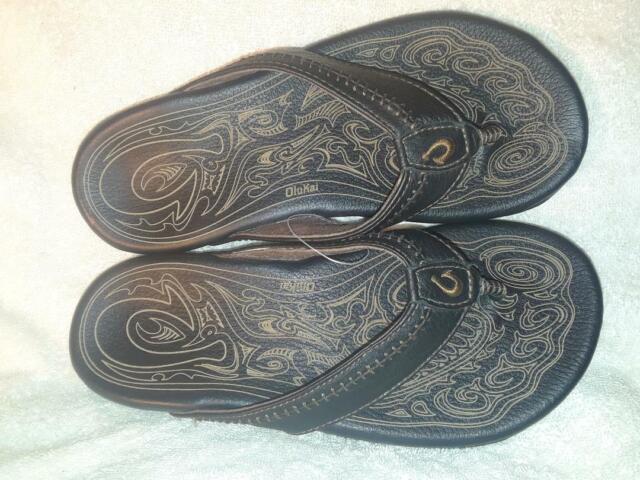 339f86185 NEW OLUKAI Mens HIAPO  10101-4040 Black Leather Thong Sandals Sz7 40 NWOB