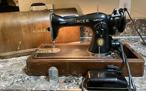 Singer-15-91-Sewing-Machine-1950-Centennial-Case-Key-Pedal-Canadian-Works-Used
