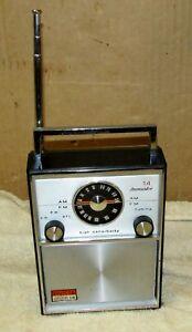 Vintage-Invicta-AM-FM-14-Transistor-portable-Radio-j0120