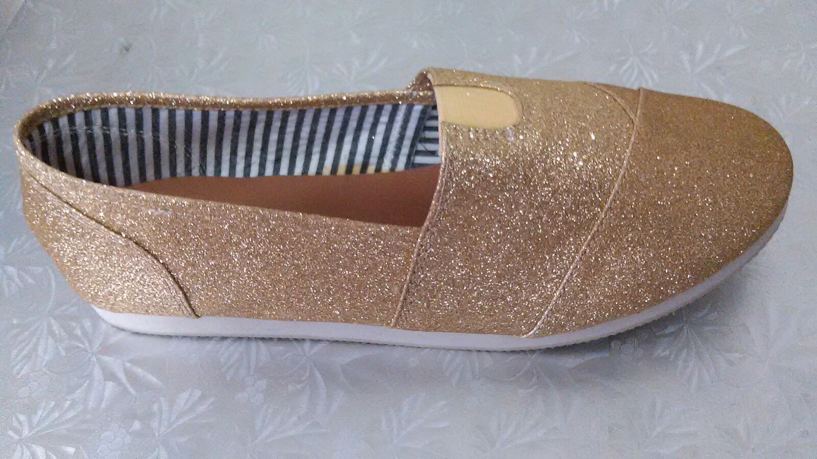 Gentlemen/Ladies Style New Gold Best-selling worldwide New Style design Lightweight shoes 72708b