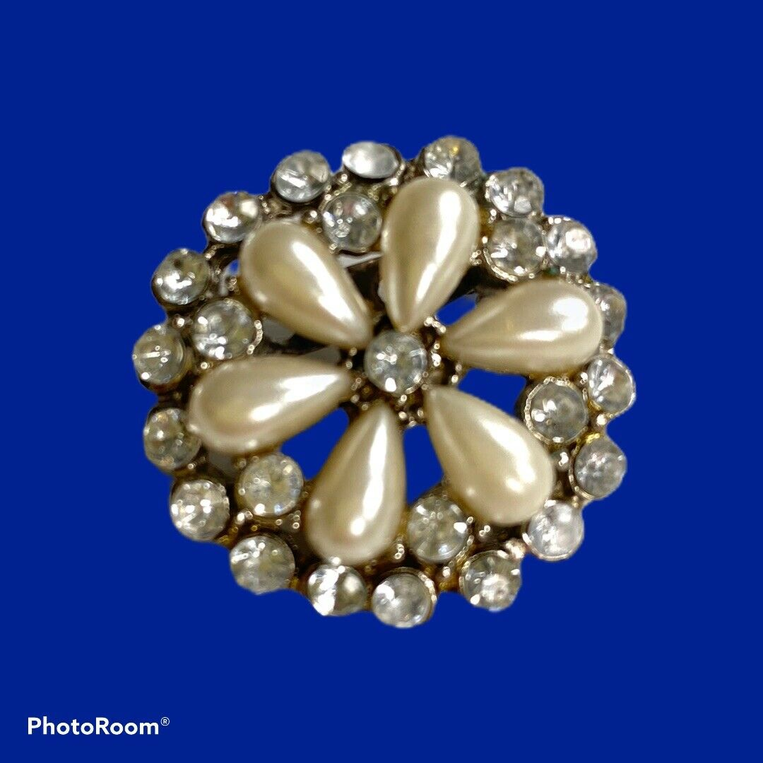 Vintage Pearl Petal Brooch - image 1
