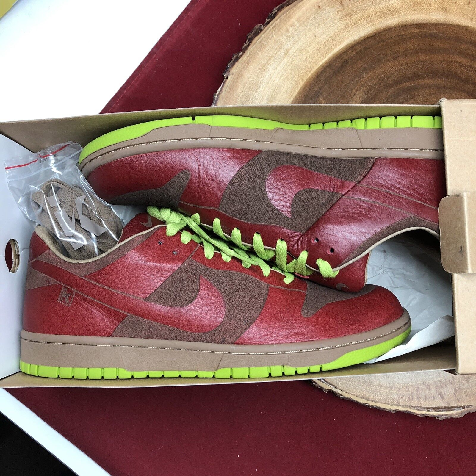 2005 NIKE DUNK LOW 1 PIECE LASER ONE IK RED CHARTREUSE GREEN 311611-661 Size 9
