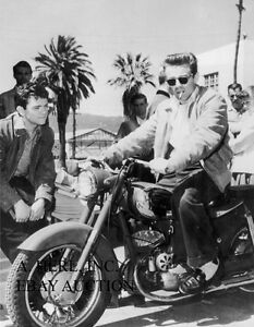 James Dean 1955 motorcycle Hollywood actor portrait photograph 8 x 10 photo