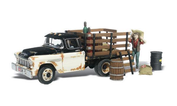 Henry's Haulin Truck , Model Trains HO Accessories - Woodland Scenics