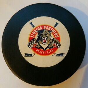 VINTAGE-FLORIDA-PANTHERS-HOCKEY-CLUB-MADE-IN-SLOVAKIA-TRENCH-MFG-NHL-VEGUM-PUCK
