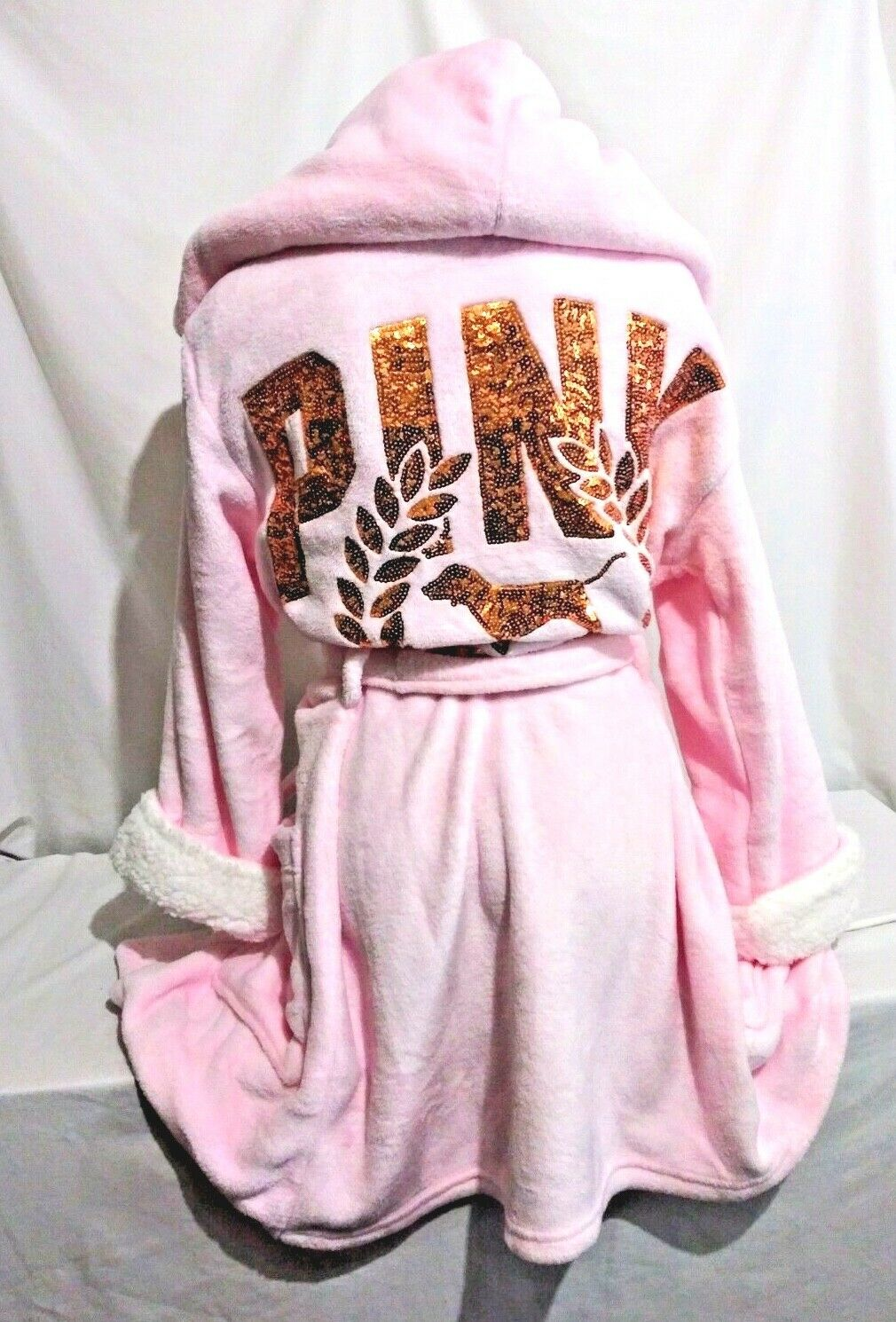 Victorias Secret PINK DOG SEQUINS BLING PLUSH HOODIE ROBE NWT XS   S
