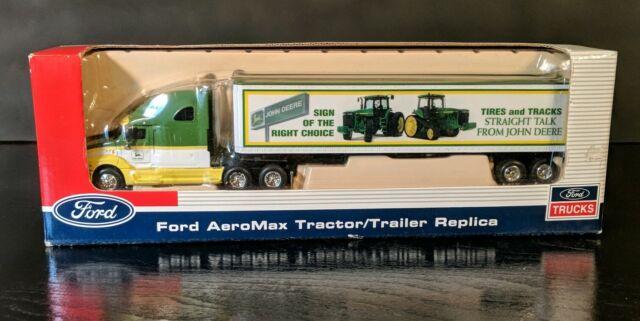 SpecCast  1:64 Diecast Peterbilt 387 Tractor Trailer CASE IH