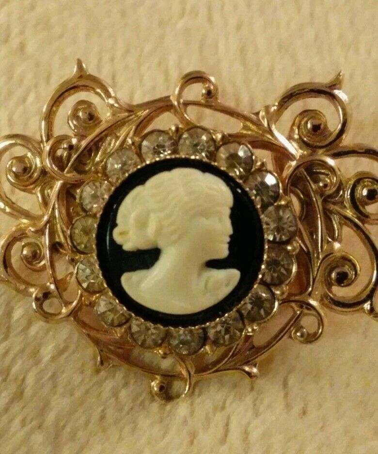 Vintage Cameo Brooch Pin Gift For Her Gift For Women Cameo Pin For Women Victorian Lady Brooch Scarf Pin Gold Lapel Pin