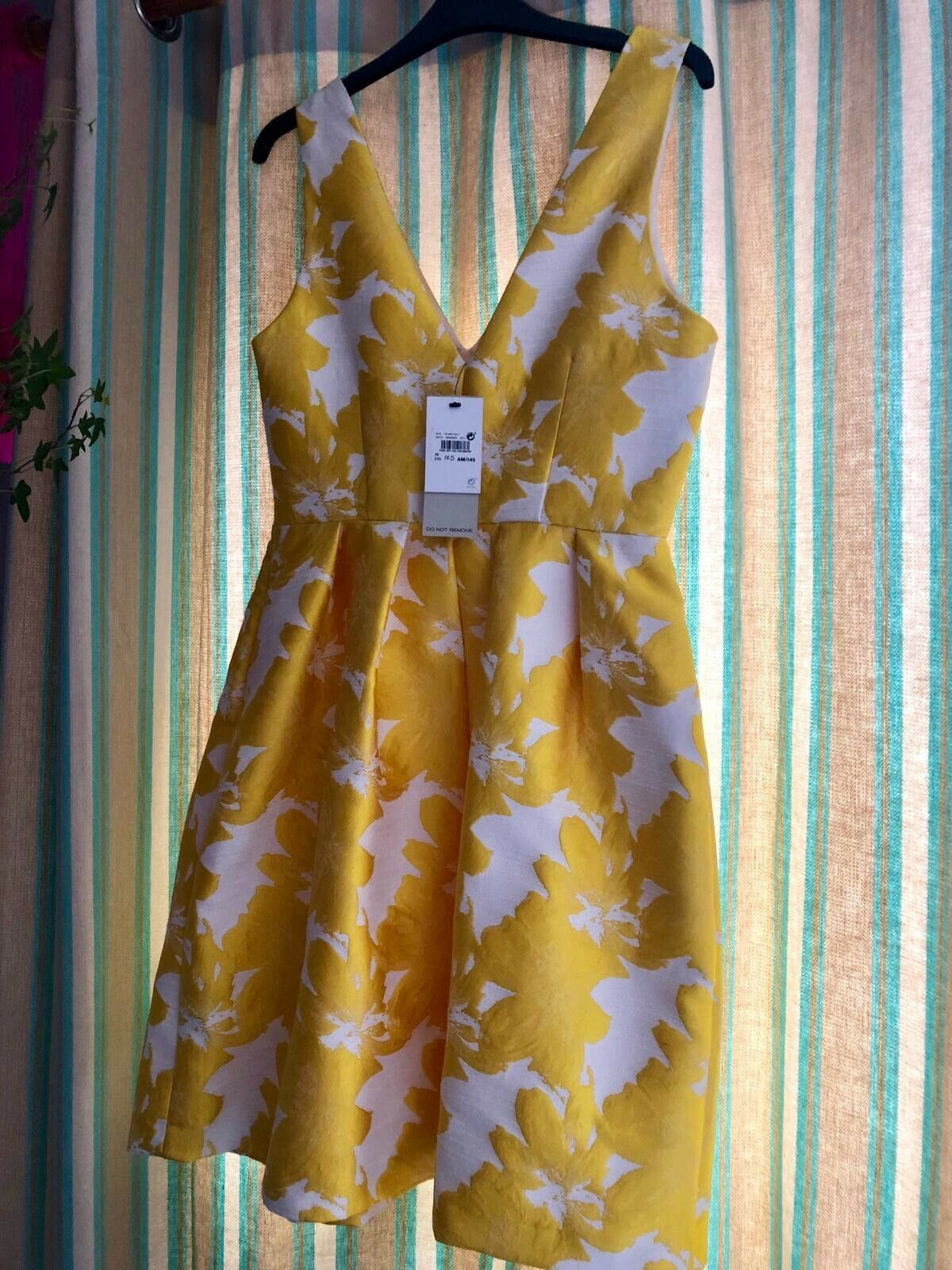 New With TagsNEXTYellow Jacquard dress, size 10, floral white & Yellow