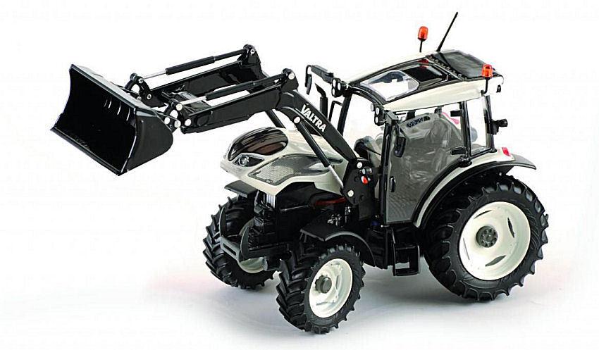 Valtra A104 + Front Loader 1:32 Model ROS30154 ROS