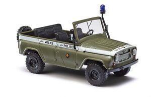Busch-52105-UAZ-469-ohne-Dach-Volkspolizei-Auto-Modell-1-87-H0