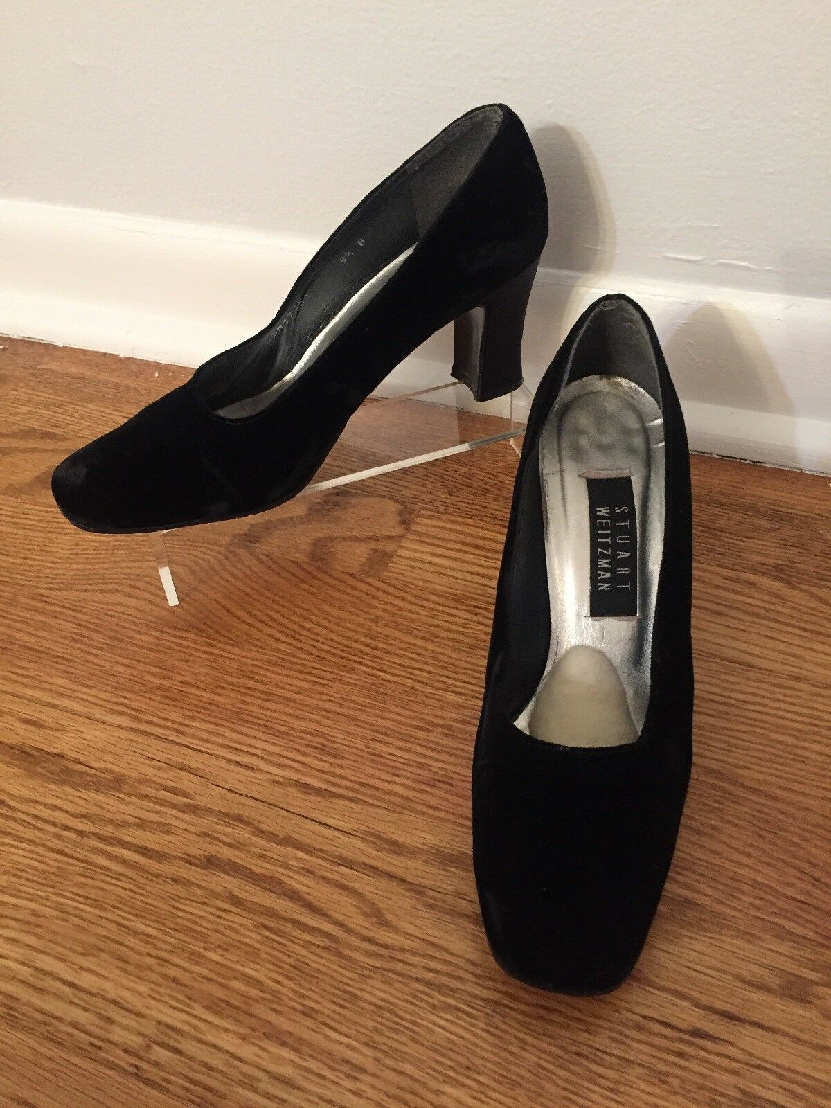 Women's 8 1 2 Black Velvet Stuart Weitzman Black Velvet Pumps