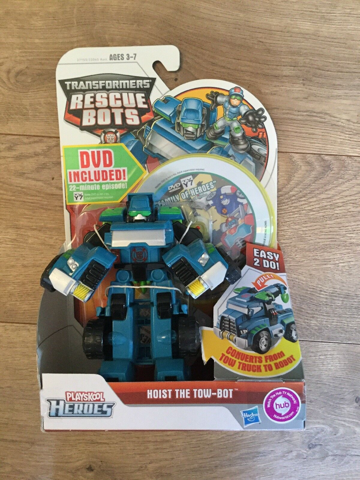 NIB 1st edition Transformers Rescue Bots Playskool Heroes Hoist Tow Bot figure