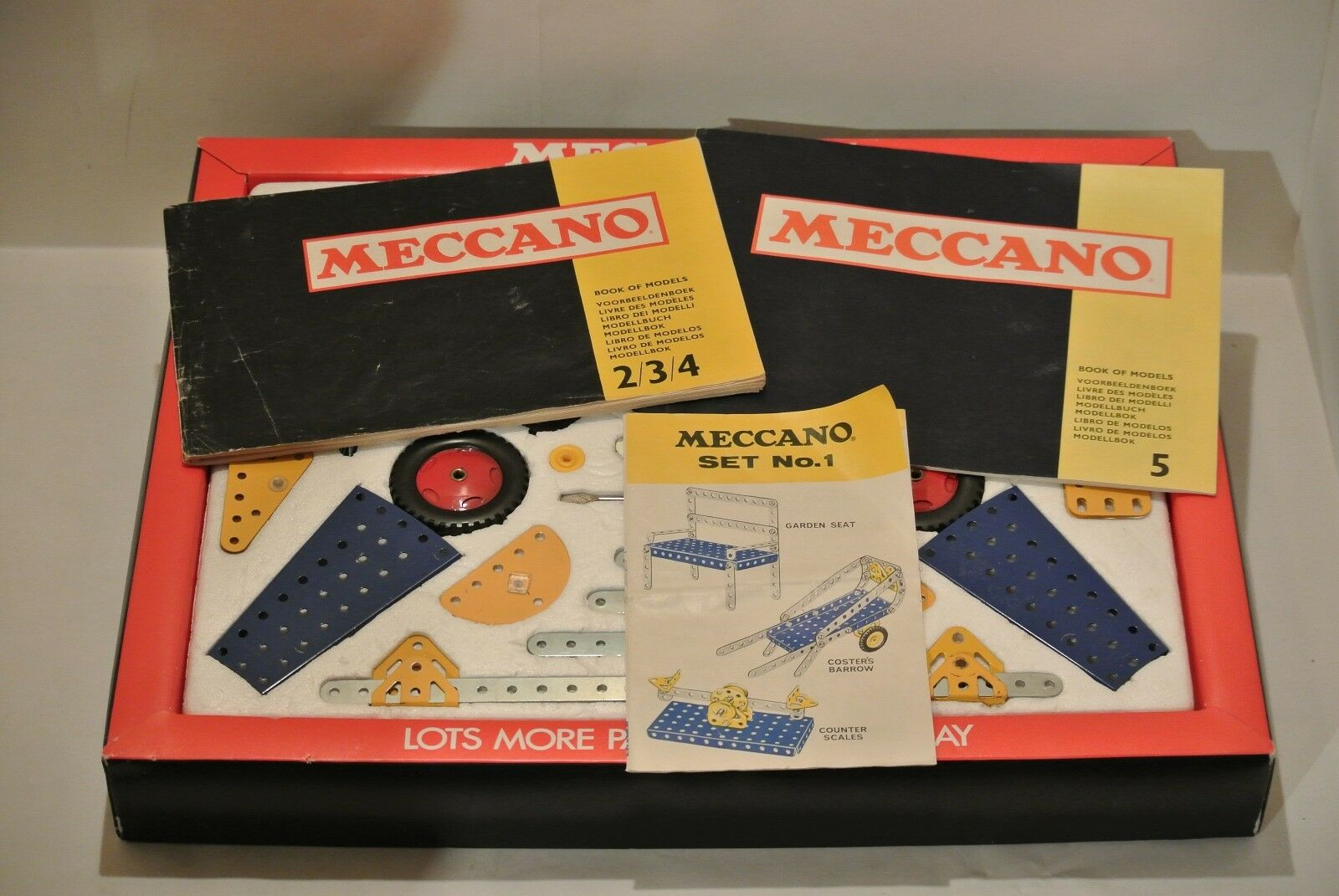 Meccano Set 5 COMPLETE SUPERB Cond bluee Yellow 1970's. Manual 2-4,5  Parts 395