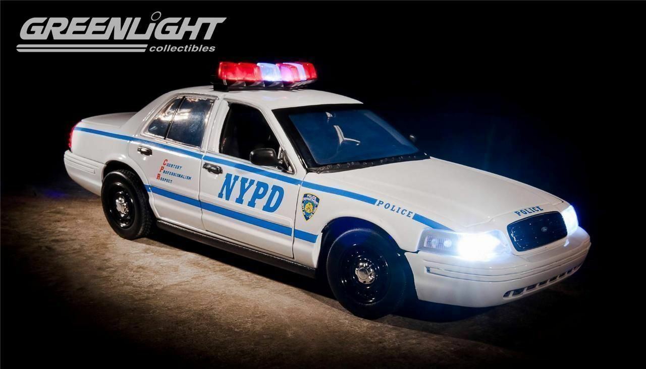 1 18 Greenlight 2001 Ford Crown Victoria New York Police Department with Light +