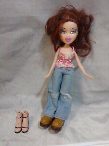 Brats-Doll-jeans-auburn-hair-extra-shoes