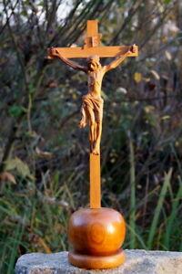 altes Standkreuz Kreuz Kruzifix Massivholz Jesus Christus Handgeschnitzt