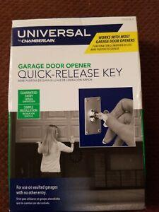 Chamberlain 7702CB-P Garage Door Quick Release Lock and Key Home ...