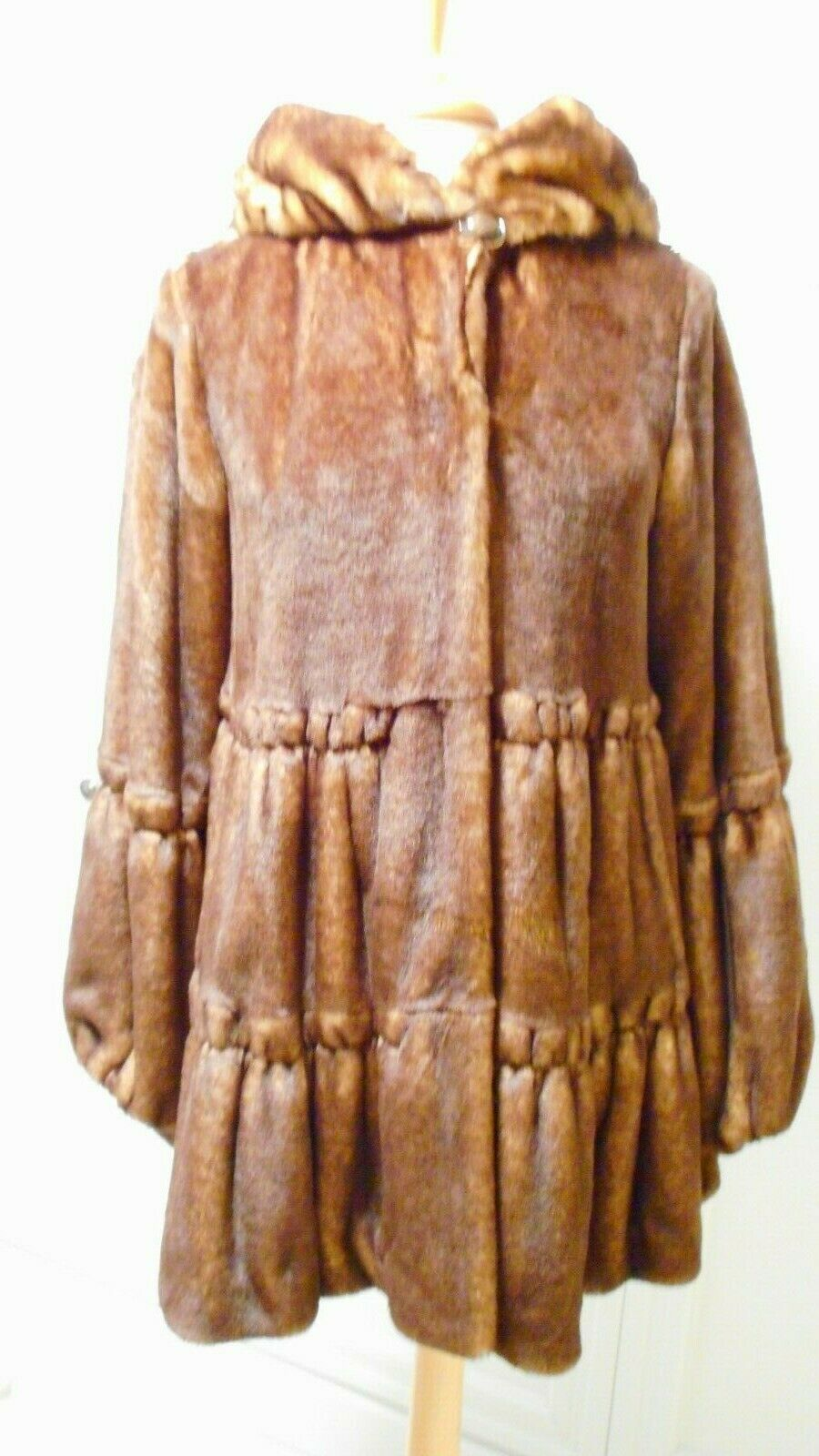 Luxurious Jones New York Faux-Fur Tiered Babydoll Coat MSRP  Size XS  NWOT