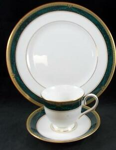 Lenox-CLASSIC-EDITION-Dinner-Plate-Cup-amp-Saucer-GREAT-CONDITION-mfg-2nd