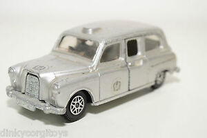DINKY-TOYS-241-AUSTIN-LONDON-SILVER-JUBILEE-TAXI-EXCELLENT-CONDITION