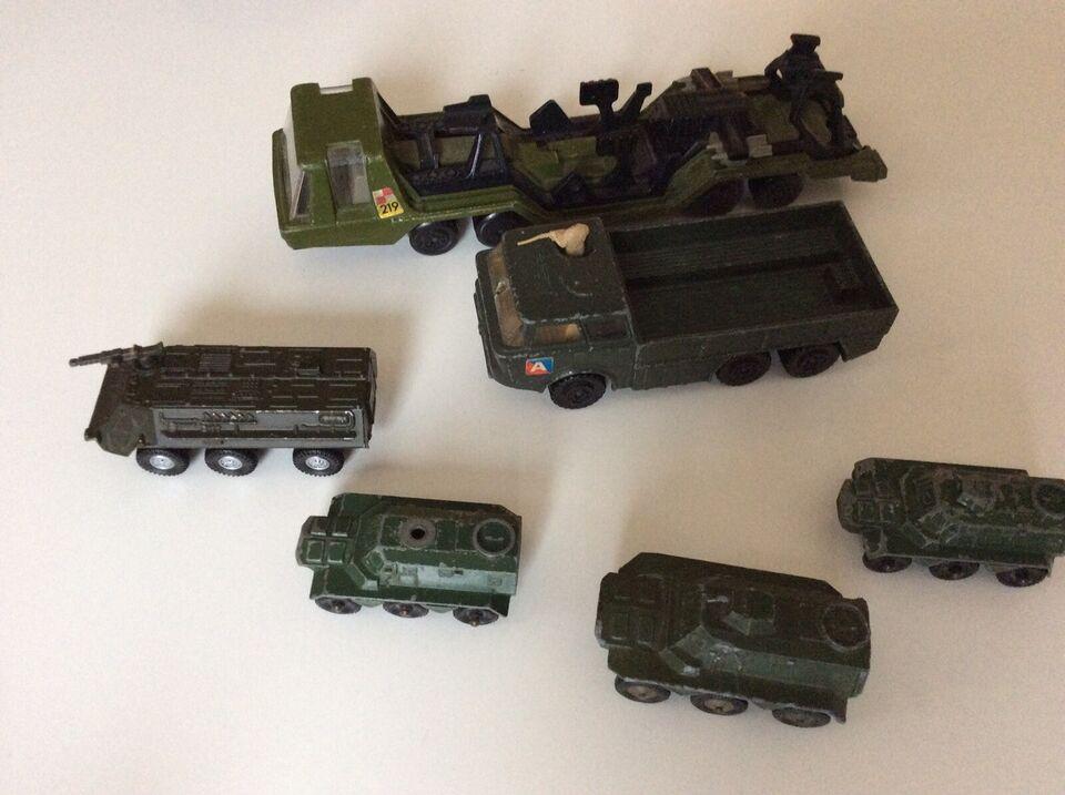 Gamle militær køretøjer., Retro