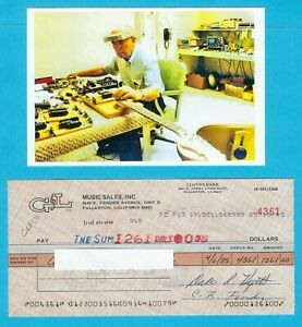 Leo-Fender-1980-039-s-Autographed-Signed-G-amp-L-Payroll-Check-w-HP-Leo-At-Bench-Photo