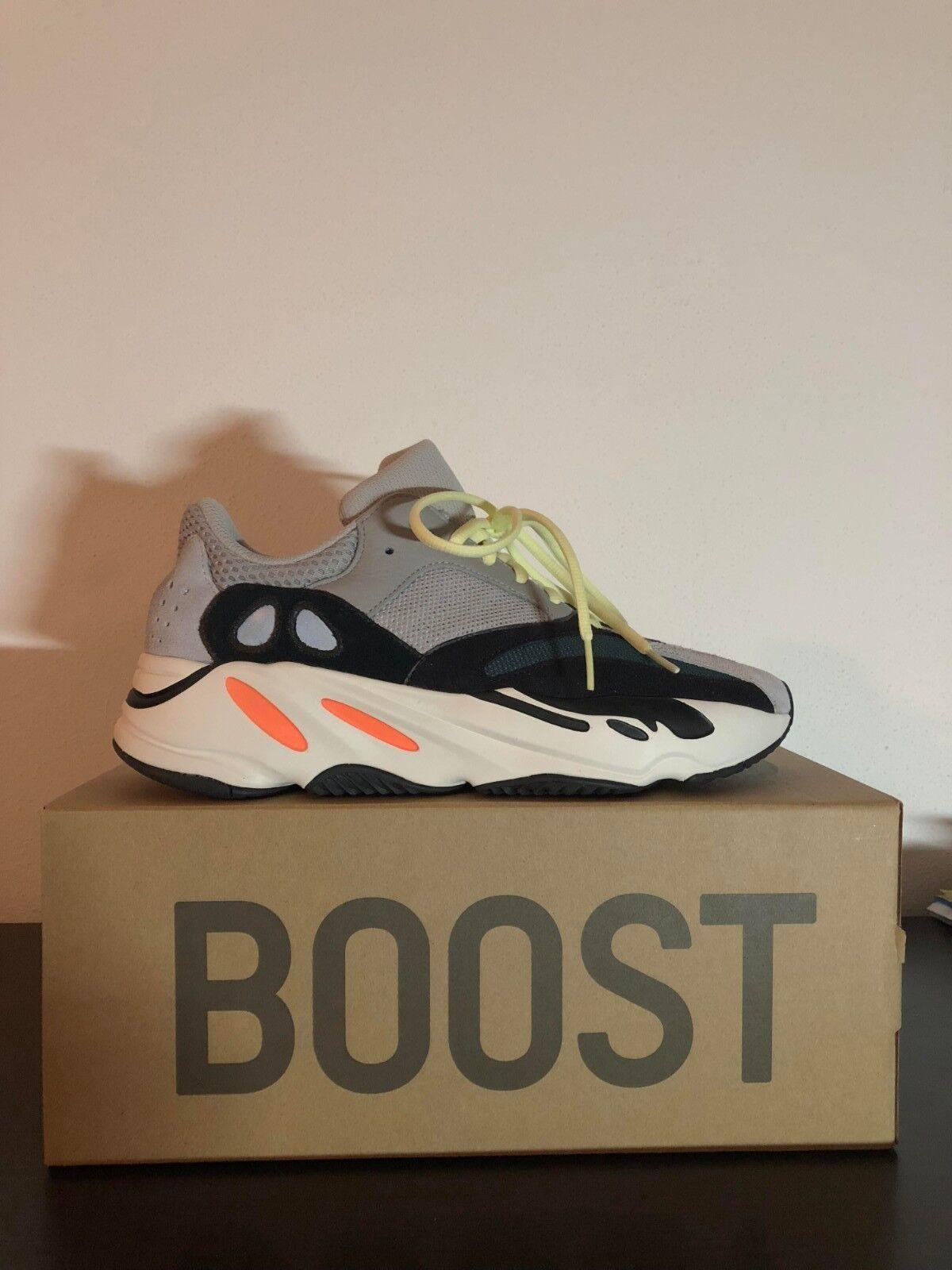 """low priced 0730d 7a81b Corredor de onda de impulso 700 Adidas Yeezy UE 44 44 44   US-10. """""""