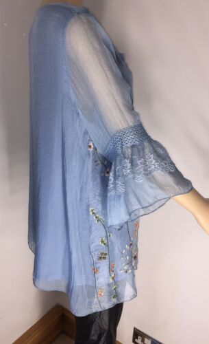 Floral Blue Silky Tunic Top Bell Sleeves Silky Soft Fits Sizes 16-20 NEW