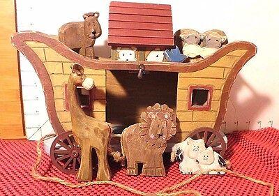 Wooden Ark, Old,7 Animals, TRANS-FAR INTERNATIONAL CORP, Wheels Turn
