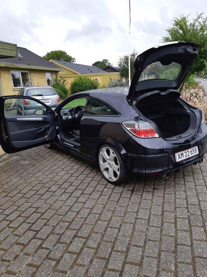 Opel Astra, 2,0 Turbo GTC, Benzin