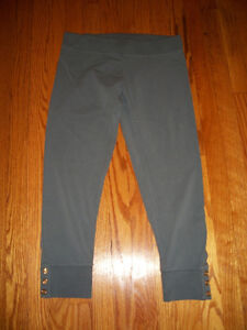 Juicy-Couture-cropped-legging-size-S-NWOT