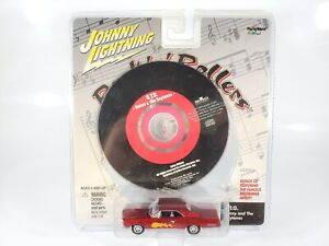 Johnny-Lightning-Rock-N-Rollers-GTO-Car-and-GTO-CD-Damaged-Card-Package-1-64