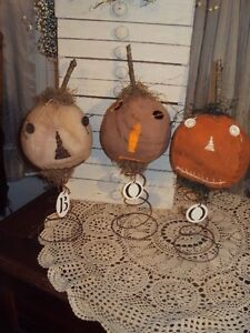 PRIMITIVE FOLK ART/GRUNGY/ PUMPKINS HEADS ON SPRINGS-HOMEMADE-ADORABLE!-SET OF 3