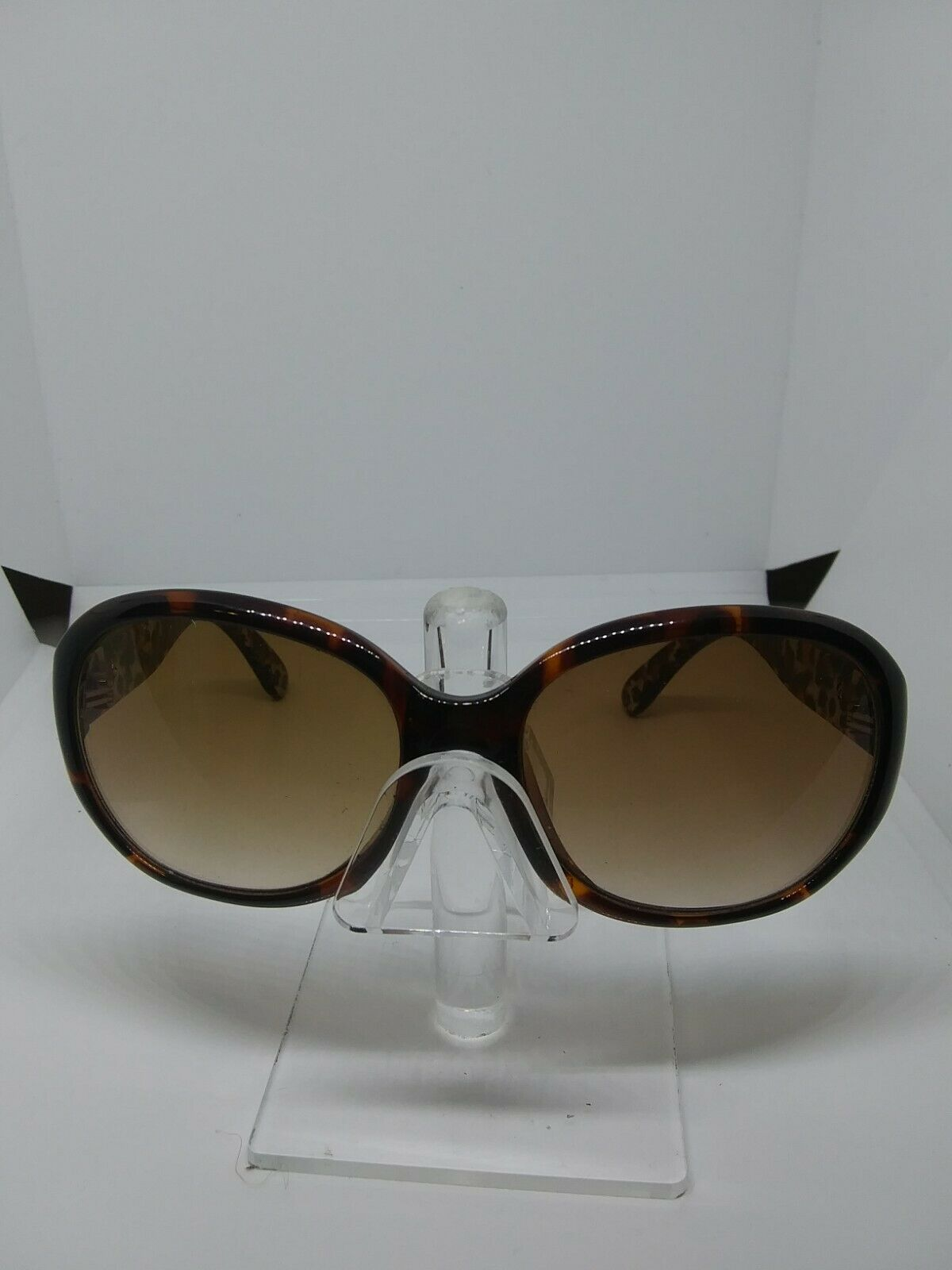 Authentic Guess Sunglasses Circle Tortoise Frame with Animal Print on Inner Arm