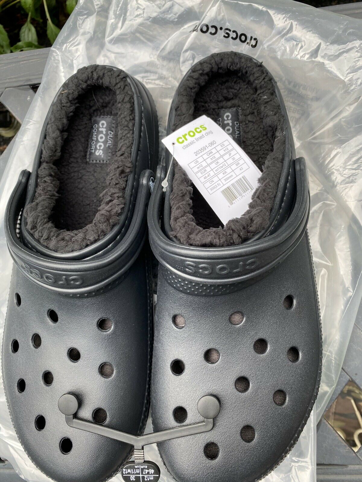 Crocs classic lined clog Men's 12 women