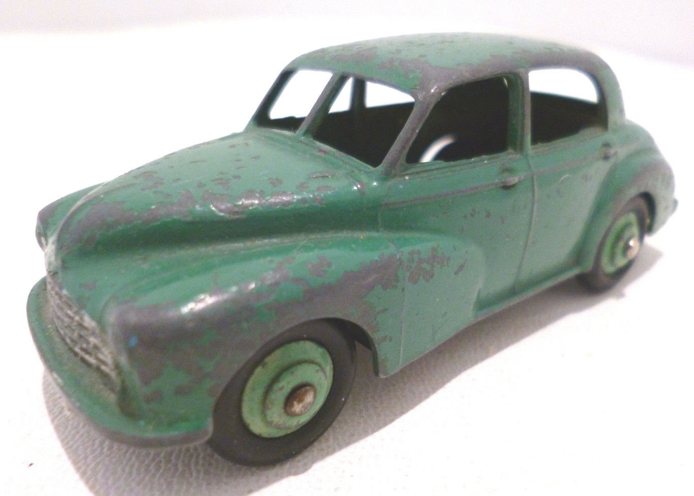 Dinky Toys 159 Morris Oxford Green Playworn Unboxed Diecast Model Car
