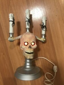Trendmasters-14-034-HallowScream-Lighted-Skull-Candelabra-with-Glowing-Eyes-1994