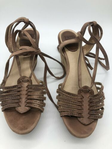 Frye Carlie Strappy Wedge Sandals in Natural 8 Use