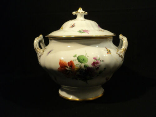 WONDERFUL ANTIQUE BERLIN KPM PORCELAIN OVAL COVERED TUREEN with GOLD TRIM