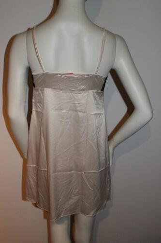"""Triumph chemise de nuit déshabillé /""""paillettes Diva NDW/"""" NDW taille 38 beige satin avec dentelle"""