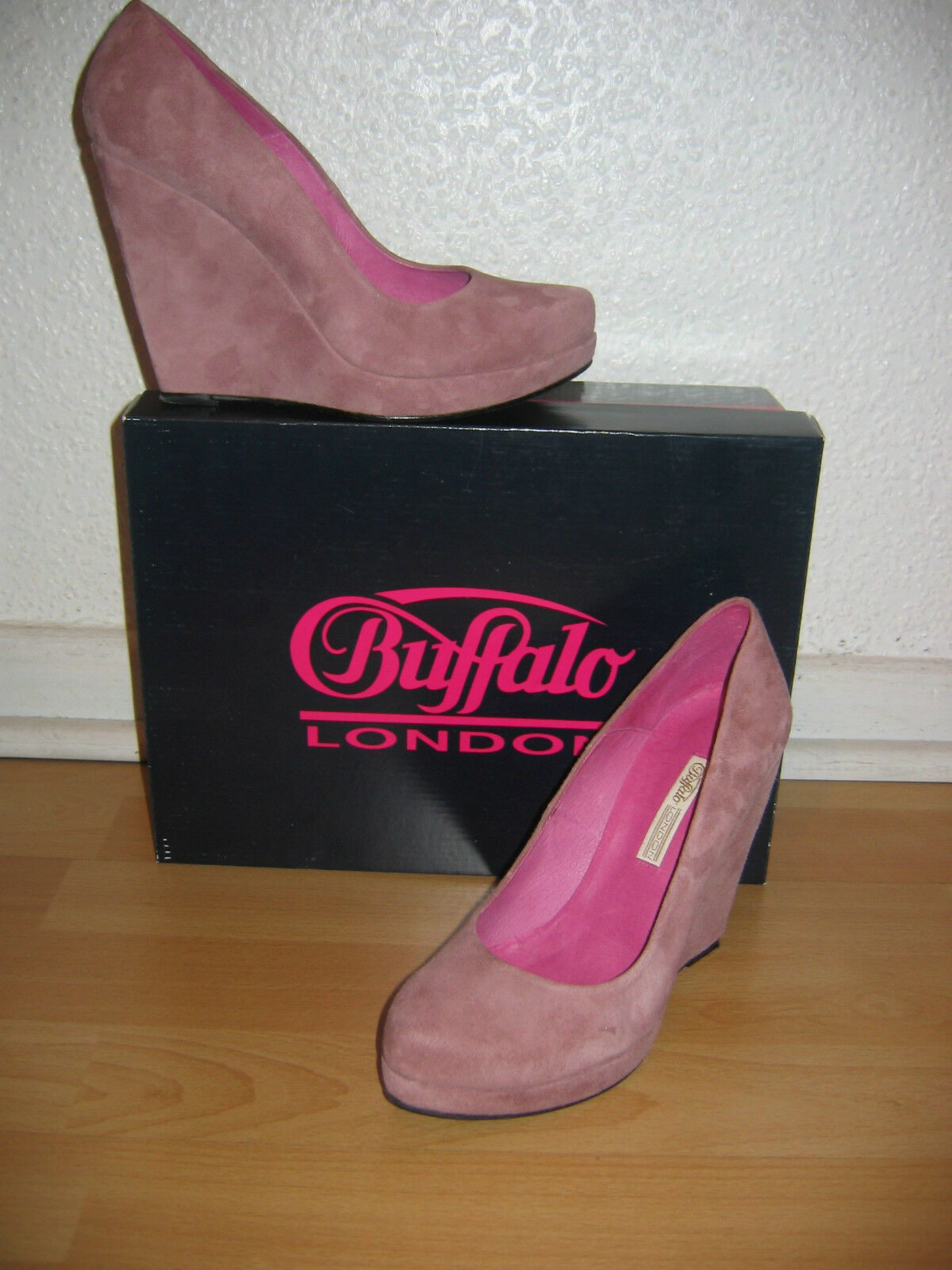 Buffalo London: Sexy Pumps Gr. 38  Plateau Wedges  Veloursleder  Rosa
