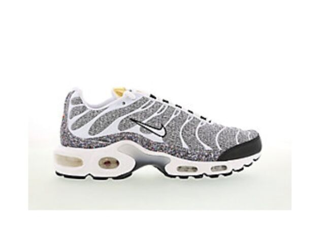 the best attitude 79a46 11f3e Nike Air Max Plus SE TN White Black Size UK 3.5 EUR 36.5 US6 Trainer BNIB