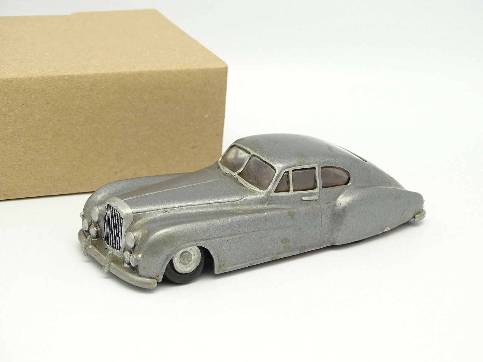 Mikansue Kit montado Metal 1 43 - Bentley Continental Mulliner Saloon