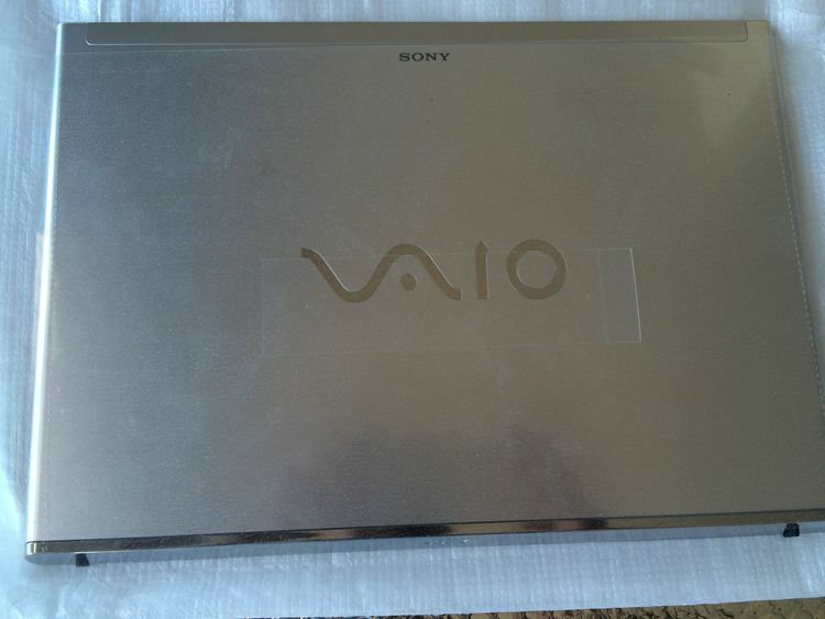 Sony Vaio SVT13 SVT131A11L SVT13115 SVT13117 top cover back case silver touch