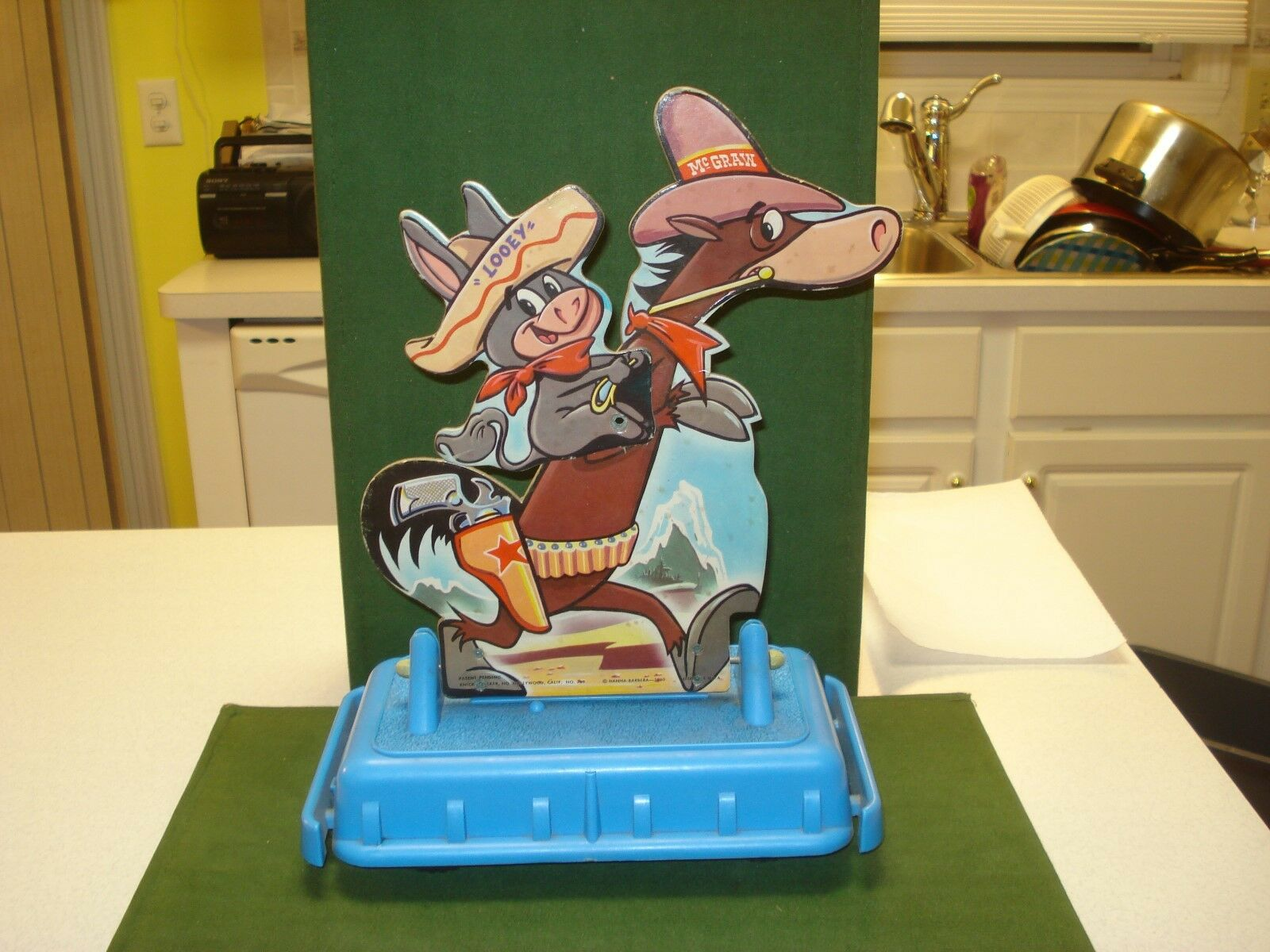 RARE 1960 QUICK DRAW MCGRAW AND BABA LOOEY MOTORIZED TOY, HANNA BARBERA, 12