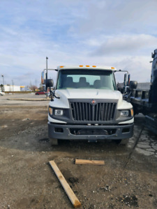 For sale 2012-2014 international dt4300 call 416 9306710