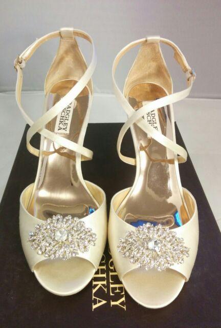 43896f77a41 NEW 8 Badgley Mischka Abigail Womens Ivory Sandal Wedge Heels Bridal MP3222  Shoe