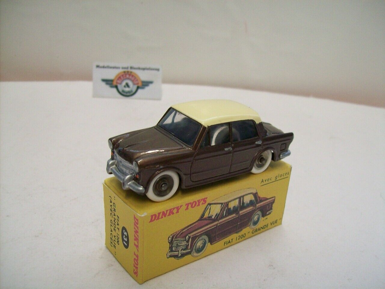 Fiat 1200  Grande vue  1957, marron Cream, dinky-toys (made in France) 1 43