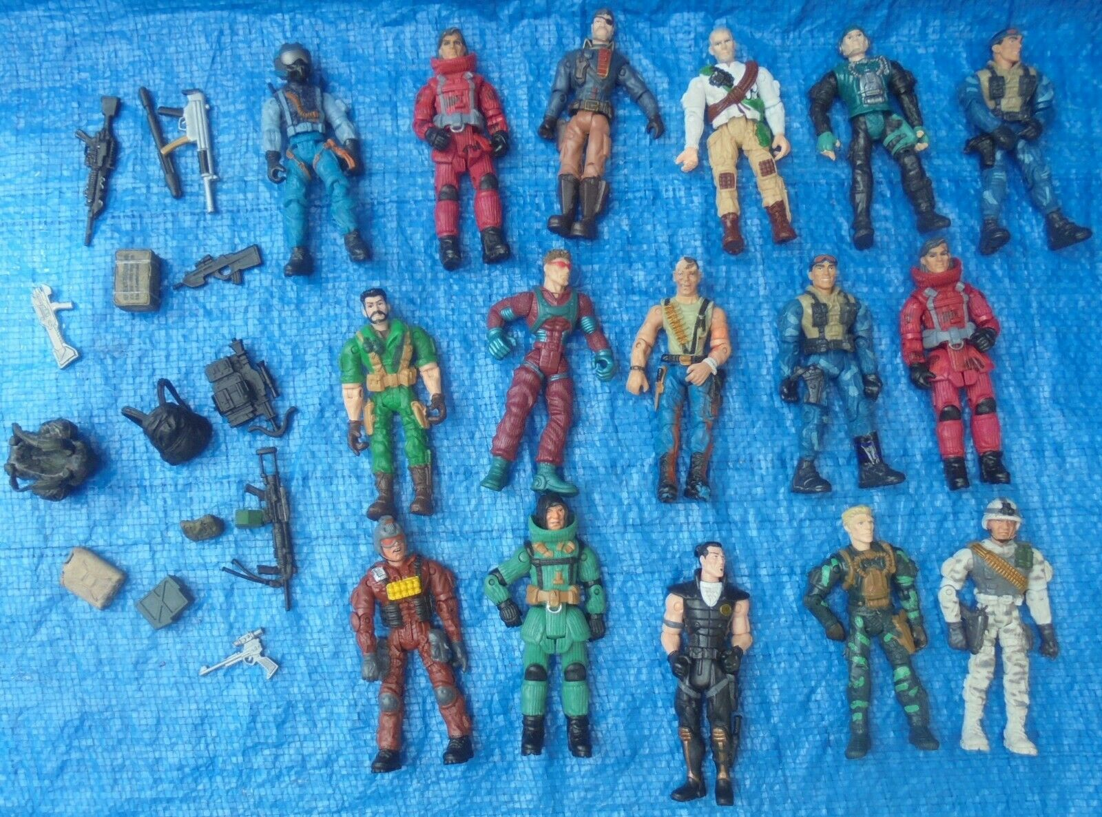 The CORPS 3.75   16 Action Figure & Weapons Lot Lanard 2003 - 2010 C.O.R.P.S.